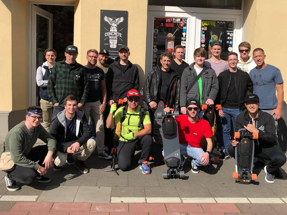 Boosted Board Group Ride Cologne Before